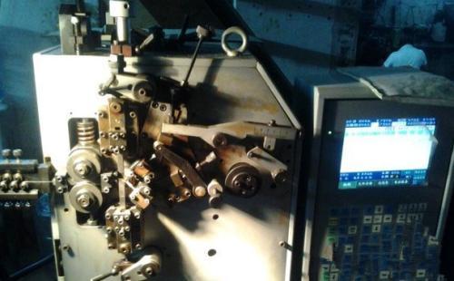 介绍研制弹簧机配件的使用效果